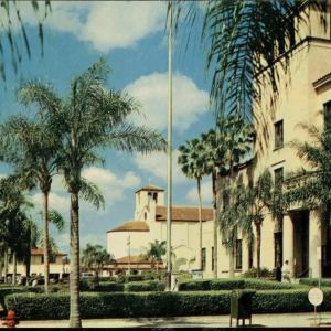 Orlando, FL, U.S. Post Office in tropical Orlando